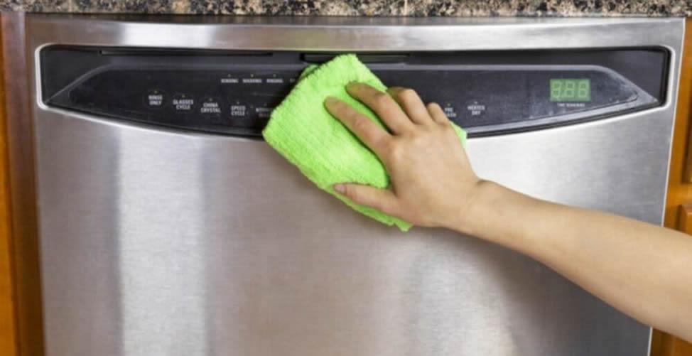 So reinigen Sie den Kühlschrank